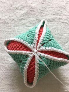 코바늘 핀쿠션/만드는 방법 : 네이버 블로그 Throw Pillows, Blanket, Crochet, Toss Pillows, Cushions, Decorative Pillows, Ganchillo, Blankets, Decor Pillows