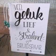 Wenskaart voor het bruidspaar, geheel in handlettering stijl