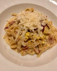 Carbonara Restaurant History, Spaghetti, Favorite Recipes, Meals, Ethnic Recipes, Food, Meal, Essen, Yemek