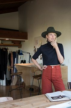 high waisted pants + cropped shirt