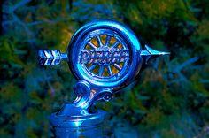 '25 Pierce/ Arrow hood ornament
