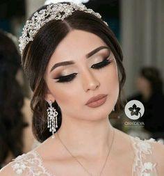 wedding updos - - Wedding Makeup For Fair Skin - Maquillaje Dramatic Bridal Makeup, Bridal Hair And Makeup, Wedding Hair And Makeup, Hair Makeup, Eye Makeup, Pakistani Bridal Makeup Hairstyles, Bride Hairstyles, Make Up Looks, Wedding Day Makeup