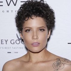 52 Times Halsey Proved She Could Pull Off Any Hair Look - Modern Curly Pixie Haircuts, Short Curly Pixie, Short Curly Hairstyles For Women, Short Straight Hair, Short Hair Styles Easy, Straight Hairstyles, Curly Hair Styles, Halsey Short Hair, Haircut For Older Women
