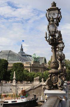 Grand Palais, Paris Beautiful Paris, Paris Love, Paris Paris, The Places Youll Go, Places To See, Pont Alexandre Iii, Paris Street, Street Lamp, Paris Pictures