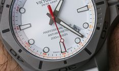 Victorinox Swiss Army INOX Professional Diver Titanium Watches Hands-On Titanium Watches, Victorinox Swiss Army, Clock, Hands, Sport Watches, Sports, Bracelet Watch, Watch, Clocks