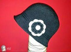 MADRES HIPERACTIVAS: Sombrero Cloché de ganchillo