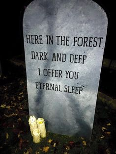 Funny tombstone decorations are a great way to add some humor to your frightening setup. You can keep focusing on the big Halloween props but sometimes it's the little things like, funny tombstone sayings that can steal the entire show. Spooky Halloween, Happy Halloween, Bolo Halloween, Halloween Signs, Outdoor Halloween, Holidays Halloween, Funny Halloween, Tombstones For Halloween, Halloween 2020