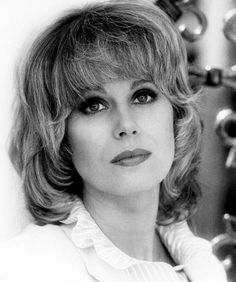 Joanna Lumley Photos - Joanna Lumley Picture Gallery - FamousFix - Page 9 Joanna Lumley, Jean Muir, Jennifer Saunders, Divas, Emma Peel, New Avengers, Actrices Hollywood, Absolutely Fabulous, Timeless Beauty