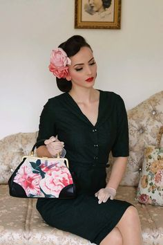 Hello lovely readers,     today I will introduce you to my dear friend Matilda Hanning  the owner and designer of Daisy Dapper  - retro/v...