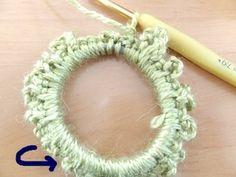 続けて、二層目のフリル部分の基礎も編みます。 先ほどまでの編み地が裏側になるように、編み地をひっくり返します。 Scrunchies, Crochet Earrings, Handmade, Hand Made, Handarbeit