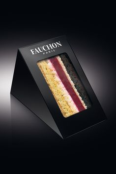 Cake / sandwich packaging in luxurious black.