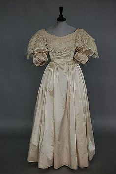 1850s style bridal gown with Brussels lace   Kerry Taylor Auctions Catalogue - Antique and Vintage Fashion, Textiles and Accessories | Invaluable