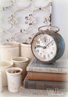 Vita Huset Love that clock!
