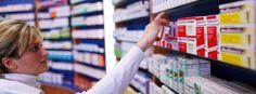 """Eine Sammlung von Prüfungsfragen zum Thema """"Einzelhandel mit freiverkäuflichen Arzneimitteln"""" und Listen von Produkten und Pflanzen, die verkauft weden dürfen."""