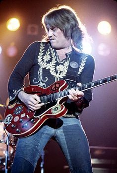 Ten Years After : Alvin Lee unexpectedly passed away March 6, 2013 due to complications following surgery. He was 68.