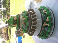 Jungle themed cupcakes and giant cupcake by Cupcake Ladies Maui