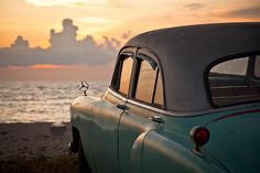 A beach near Trinidad in Cuba where several classic cars where parked watching the sunset Vintage Travel, Vintage Cars, Old Cars, Summertime, Classic Cars, Surfing, Old Things, Tumblr, In This Moment
