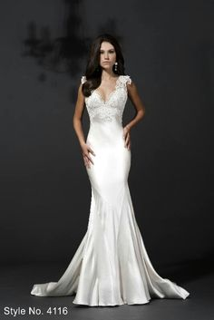 I seriously want this dress for my wedding - Beautiful