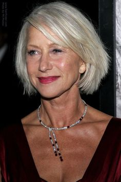 the choppy piecynes of her hair keeps it modern looking. I seriously want to be as freakin awesome as Helen Mirren when I grow up.