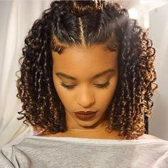 If you are searching for some short curly hair styles ideas that you can try today, you came to the Natural Curls, Natural Hair Care, Curly Natural Hair Styles, Natural Hair Styles For Black Women, Flat Ironed Natural Hair, Natural Styles, Curly Hair Cuts, Frizzy Hair, Wavy Hair