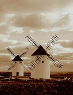 La Mancha, tierra de gigantes. Aquí nació un gran clásico de la literatura: el Quijote.