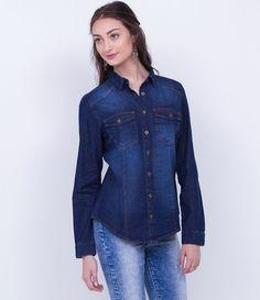 Camisa feminina  Manga longa  Com bolsos  Marca: Blue Steel  Tecido: jeans  Composição: 100% algodão  Modelo veste tamanho: P         COLEÇÃO INVERNO 2016       Veja outras opções de    camisas femininas.