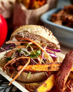 BBQ pulled pork with coleslaw - This delicious recipe is sure to be enjoyed by all ages and is perfect for a family dinner or casual gathering. Baby Shower Card Sayings, Fondant Elephant, Fondant Cake Toppers, Coleslaw, Baby Shower Cakes, Pulled Pork, Bbq, Yummy Food, Meals