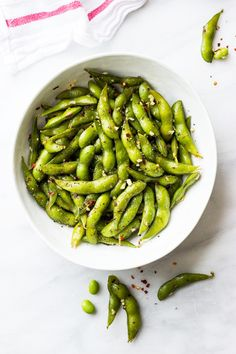 Chili Garlic Edamame - Fast Healthy Lunches To Take To Work - Lonny