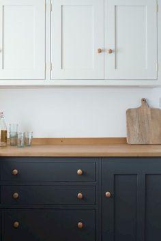 Cool 55 Fabulous Modern Contemporary Kitchen Cabinets Ideas https://insidedecor.net/56/55-fabulous-modern-contemporary-kitchen-cabinets-ideas/