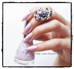 Betty Nails: Yes Love Speckled Collection - Swatches & Review