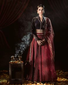Anju Modi's New Collection is Drop Dead Gorgeous! 2017 Brides, Take Note! Indian Bridal Outfits, Indian Dresses, Wedding Outfits, Choli Designs, Blouse Designs, India Fashion, Asian Fashion, Fashion Photography Inspiration, Classic Wedding Dress
