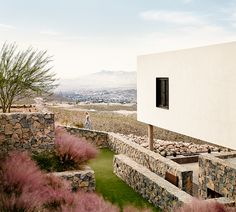 Hazel Baker Rush Architects 02 Hazel Baker Designs a Rustic Home on the slopes of the Franklin Mountains