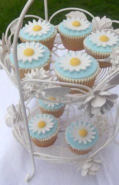 Summer Daisy Cupcakes