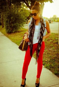 red-leggings///Love this outfit..need to get me a denim vest