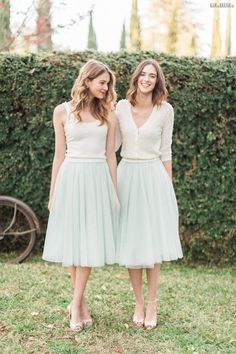 38 Chic And Trendy Bridesmaids' Separates Ideas: mint tulle midi skirts and ivory tops and cardigans Diy Robe Tutu, Robes Tutu, Tulle Bridesmaid Dress, Bridesmaid Outfit, Party Dress Outfits, Wedding Party Dresses, Bridesmaid Separates, Frack, Mod Wedding