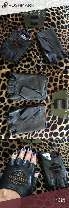 Harley Davidson Fingerless Gloves. New. Harley Davidson fingerless leather gloves. Brand new. Perfect if you need nimble fingers for snapping pictures, turning radio knobs or texting. Size is small. New. Harley-Davidson Accessories Gloves & Mittens