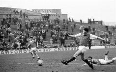 Joe McBride scores for Hibernian against St Johnstone at Easter Road (March 1970)