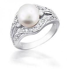 Vintage Pearl Wedding Ring. So pretty. Dream wedding ring