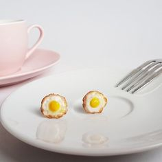 Start your days right with some filling Fried Egg - Earrings! :) If you are looking for the perfect gift for a foodie person, or a chef, then this funny breakfast earrings is definitely be the right choice! Funny Breakfast, Stainless Steel Earrings, Miniature Food, Fries, Polymer Clay, Eggs, Studs, Gifts, Stud Earrings