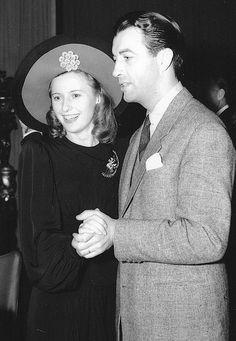 Barbara Stanwyck and Robert Taylor dancing at a nightclub c.1940