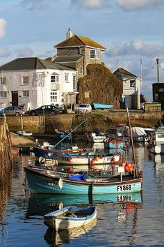 Cornwall, England, a beautiful village for a weeks relaxation. Devon And Cornwall, England And Scotland, Fishing Villages, Fishing Boats, Fishing Chair, Ice Fishing, Bass Fishing, Belle Photo, Great Britain