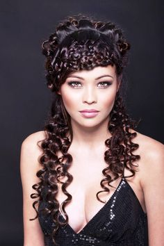 Amazing and Easy ,Push up braids around the face and curls around the shape.