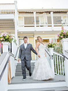 Bride & groom at The Perry House l http://eventsbyclassic.com