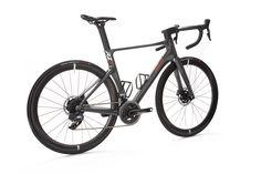 PARLEE Cycles | RZ7 LE Clean Sheets, Carbon Road Bike, Bottom Bracket, Brake Calipers, Road Bikes, Road Cycling, Custom Paint, Carbon Fiber