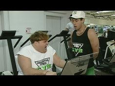 FLASHBACK: Working Out with Adam Sandler, Chris Farley, Kevin Nealon & Mike Myers in '93 - Entertainment News Videos