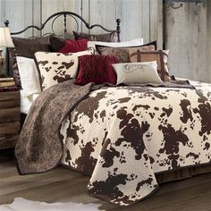 Check out Lone Star Western Decor now and enjoy savings up to on Western bedding sets, which includes this Twin Size Elsa Quilt Set! Luxury Bedding Collections, Luxury Bedding Sets, Western Rooms, Western Bedding Sets, Rustic Bedding Sets, Western House Decor, Country Western Decor, Quilt Sets Queen, My New Room