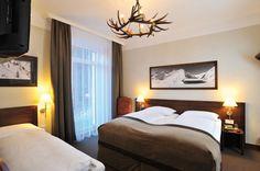 Ski Lodge Reineke - Ihr Wohlfühlhotel in Bad Gastein Bad Gastein, Salzburg, Skiing, Bed, Furniture, Home Decor, Ski, Decoration Home, Stream Bed
