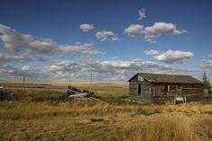 800px-Abandoned_farm957