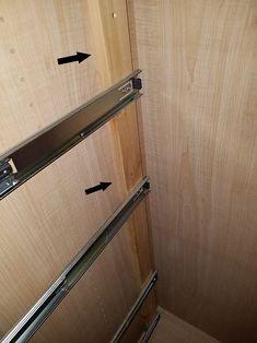 My 9 Best Tips for Installing Cabinet Drawers - Remodelando la Casa How To Make Drawers, Diy Drawers, Wood Drawers, Cabinet Drawers, Installing Drawer Slides, Wood Drawer Slides, Diy Kitchen Storage, Kitchen Redo, Kitchen Remodel