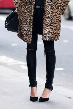 leopard print coat, studded belt, black ripped skinny jeans & pumps #style #fashion #streetstyle